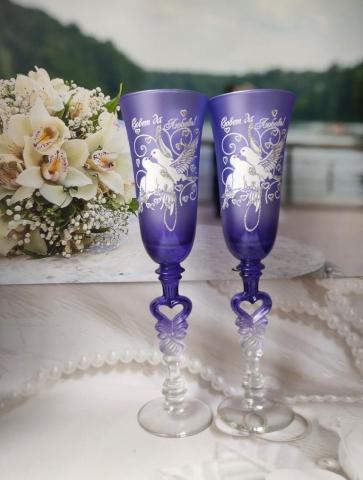 фиолетовые свадебные бокалы фото