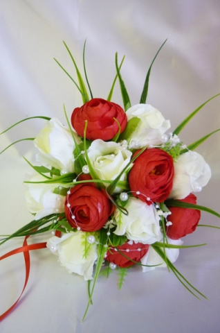 букет дублер красно-белые розы