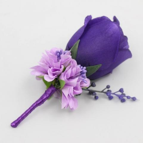 бутоньерка фиолетово-сиреневая фото