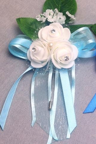 бутоньерка голубая для жениха фото