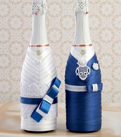 чехлы на свадебное шампанское синие жених и невеста