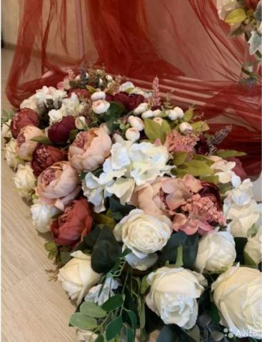 цветочная композиция на стол молодоженов марсала премиум