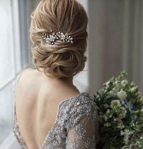 гребень для свадебной прически с серебристыми цветами