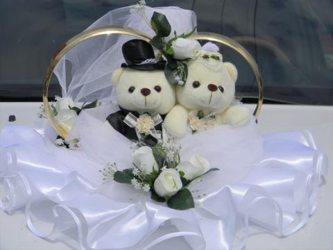 кольца на машину с мишками и белыми розами купить