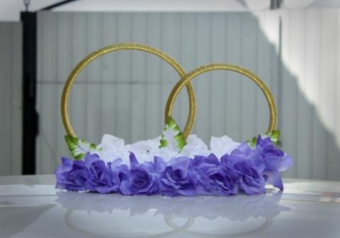 кольца на крышу машины синие, белые розы купить