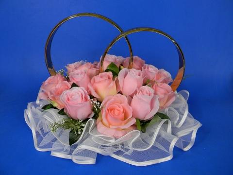 кольца на машину с розовыми розами и фатином
