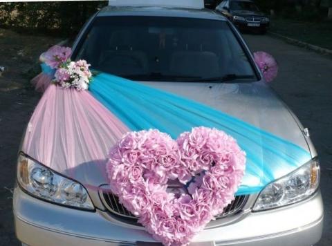розово-голубой комплект на машину с фатином фото
