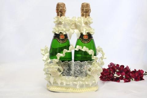 корзиночка для свадебного шампанского айвори фото