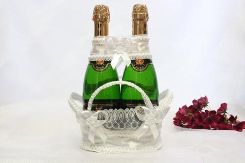 корзиночка для свадебных бутылок белая кружевная