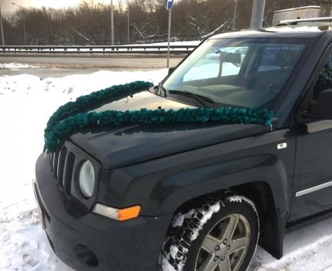 изумрудная лента на машину