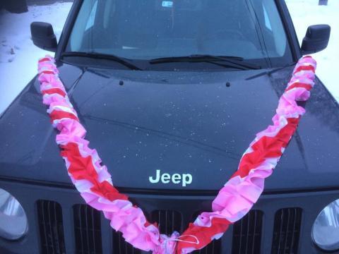 лента на машину красно-розовая фото