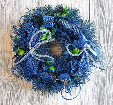 венок новогодний синий фото