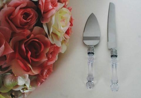 нож и лопатка для торта с серебристой лентой
