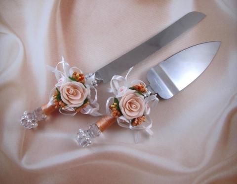 приборы для свадебного торта персиковые фото