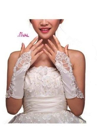 перчатки белые ажурные до локтя