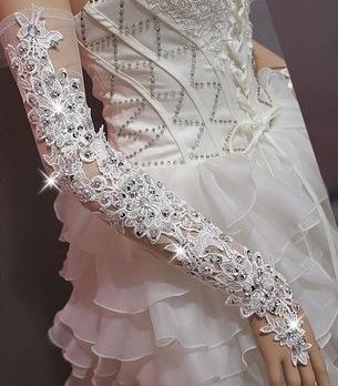 длинные длинные свадебные перчатки со стразами