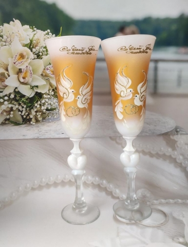 золотые свадебные бокалы фото