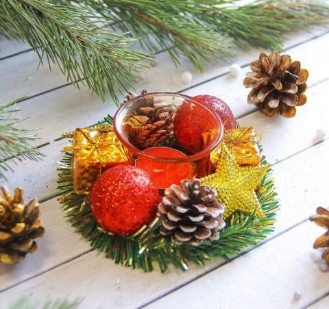 подсвечник новогодний красно-золотой фото