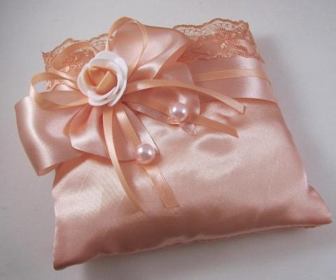 персиковая подушечка по кольца купить