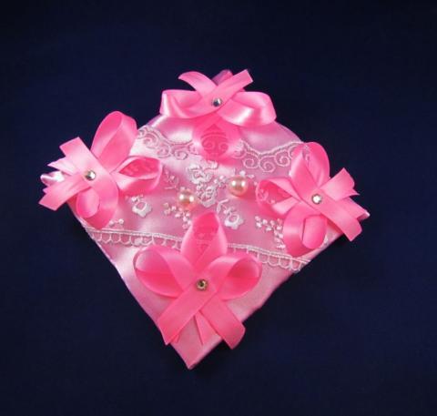 подущечка под кольа розовая фото