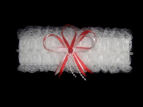 подвязка невесты с красным
