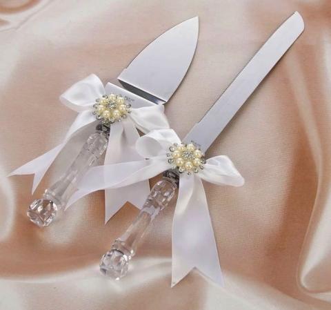 нож и лопатка для свадебного торта белые