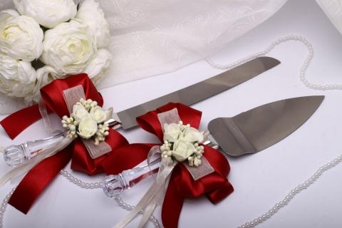 нож и лопатка для свадебного торта бордовые