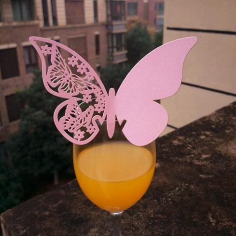розовая бабочка на фужер рассадочная карточка фото