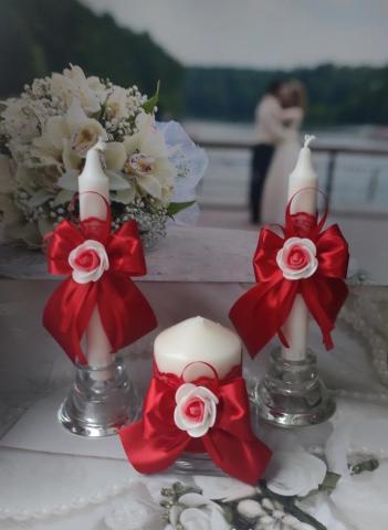 красный комплект сваденых свечей очаг фото