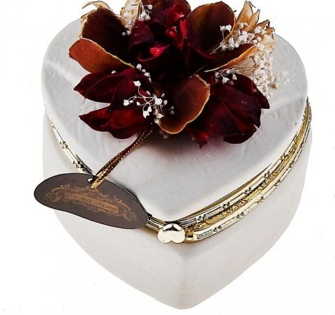 коробочка для колец на свадьбу с бордовым пионом фото