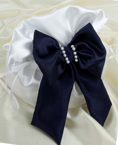 сумочка невесты с черным, синим