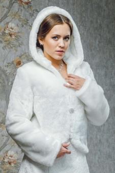 зимняя свадебная шубка фото