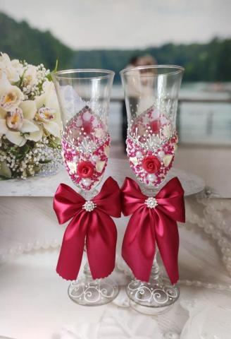 малиновые бокалы на свадьбу фото