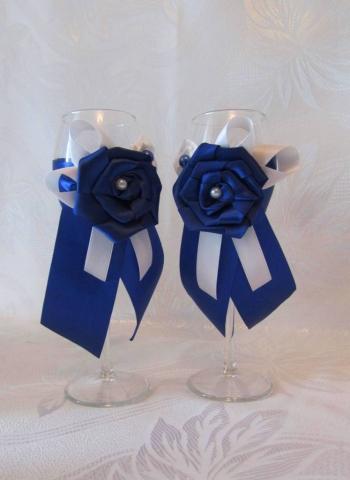 свадебные бокалы сине-белые фото