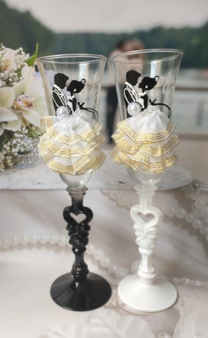 свадебные фужеры жених  невеста танец фото