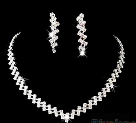 ожерелье и серьги стразы фото