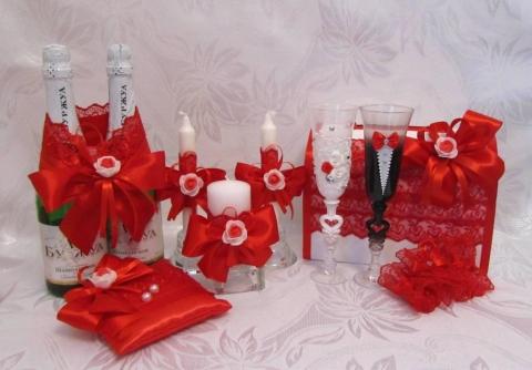 красная свадьба декор фото