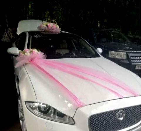 комплект на машину розовый-айвори кольца бует и вуаль на капот