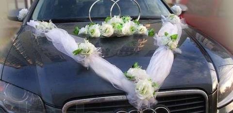 украшения на машину белые розы