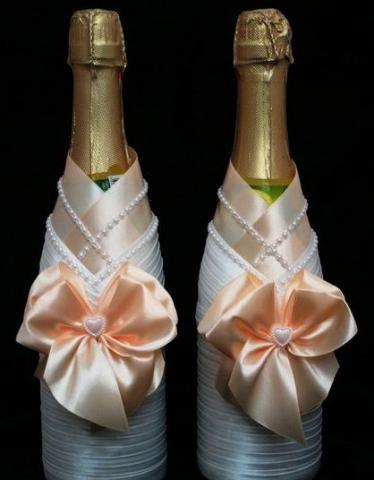 украшение на шампанское персиковое фото