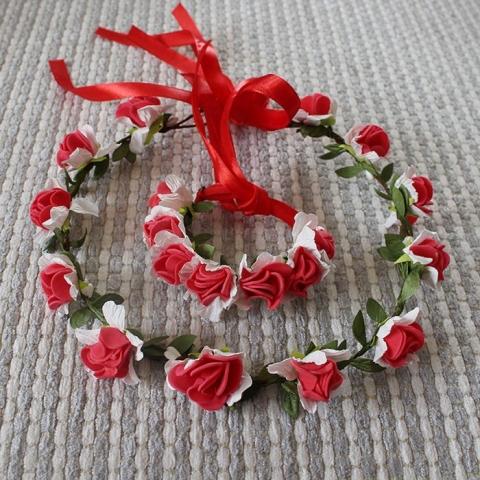 венок из цветов на голову красно-белый фото