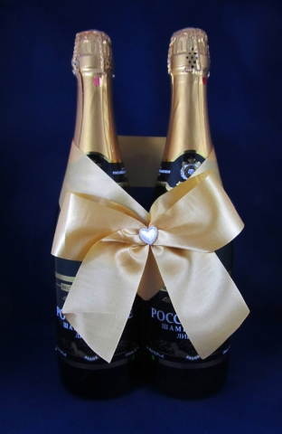 бежевые свадебные украшения на шампанское фото