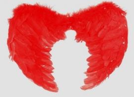крылья красные