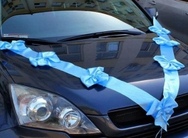 Лента на машину голубая, атласная с бантами 100801