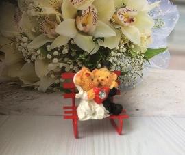 Мишки на скамейке Жених и Невеста - подарочный сувенир гостям 000598