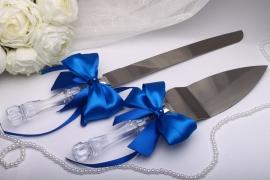 приборы для торта с синими бантами фото