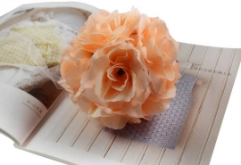 шар из искусственных цветов персиковый фото