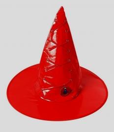 шляпа красная лаковая
