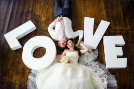 love для фотосессии белого цвета