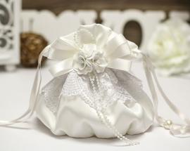 """Сумочка невесты белая,айвори с бантом и цветочным букетом """"Римма"""" 000610"""